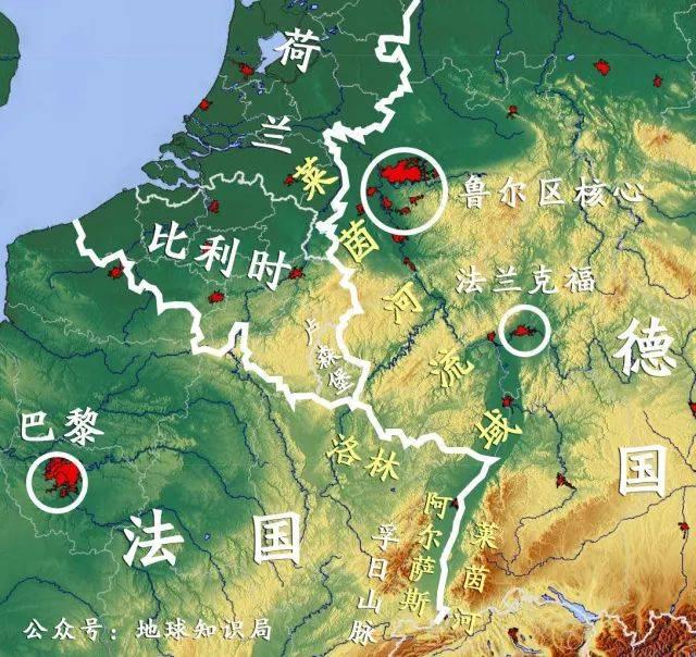 另一方面,由于德法陆地边界上有莱茵河与孚日山脉作为屏障,且双方还经常在边境线附近修筑密集的堡垒和要塞(例如著名的兴登堡防线和马奇诺防线),而北部的德国-比利时-法国交界处却是有利于部队集结和机动的大平原,除了一些小河流外再无障碍。 法德边界反而是双方 最难突破的方向 所以双方都大意了