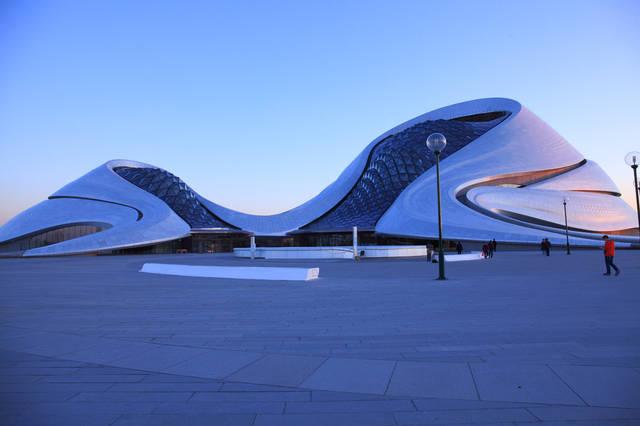 作为地标建筑,夜晚的哈尔滨大剧院也将成为冰城标志景观,有关灯光设计