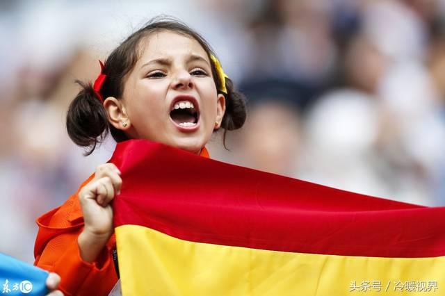 世界杯上的小球迷