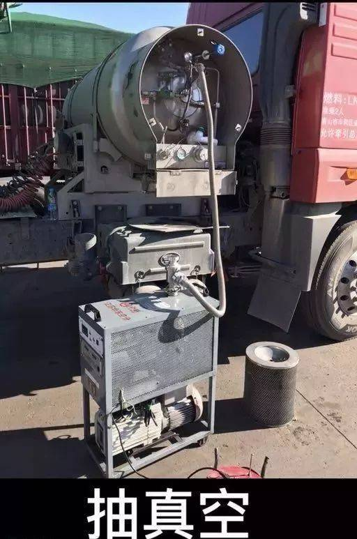 不破坏安全阀——自动排压——爆炸不会发生 原因是轮胎内部钢丝结构图片