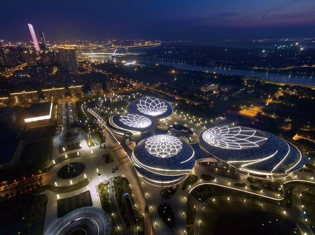 对于江苏大剧院项目的设计团队来说,长达十七年在观演类建筑专业化图片