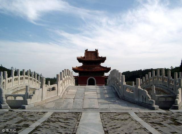 为何康熙不和雍正葬在清西陵的原因