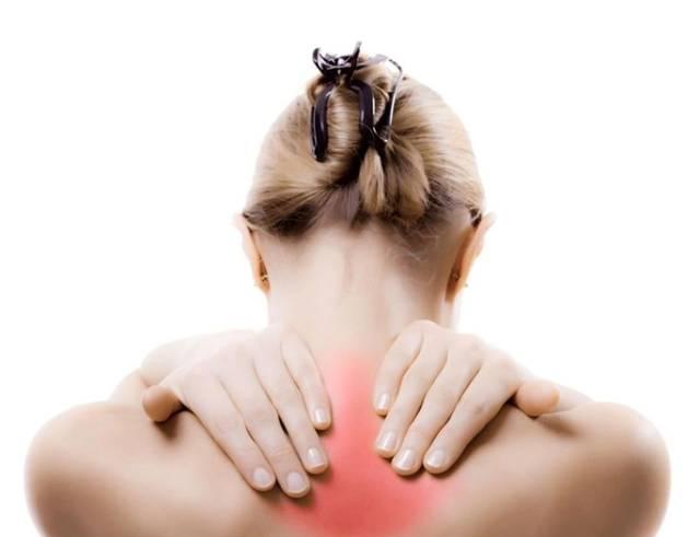 60岁女人还能操吗_颈椎僵硬,酸痛?推荐一套实用颈椎操,低头族快学起来