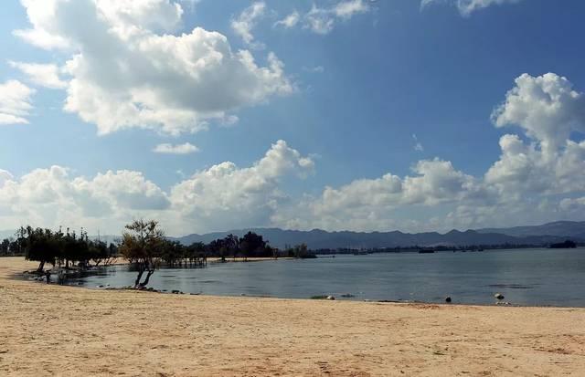晋宁沙滩公园_这个周末,我们去晋宁!滇池,沙滩,音乐,啤酒!一个都不能少!