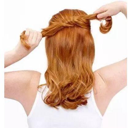 中年女性凌乱式盘发图解,经典成熟的低盘发!图片