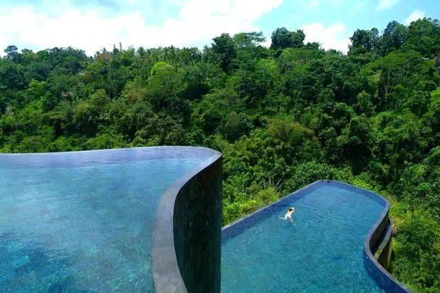 无边泳池_无边泳池已经不是新鲜的概念,但 hanging gardens of bali 的泳池仍然
