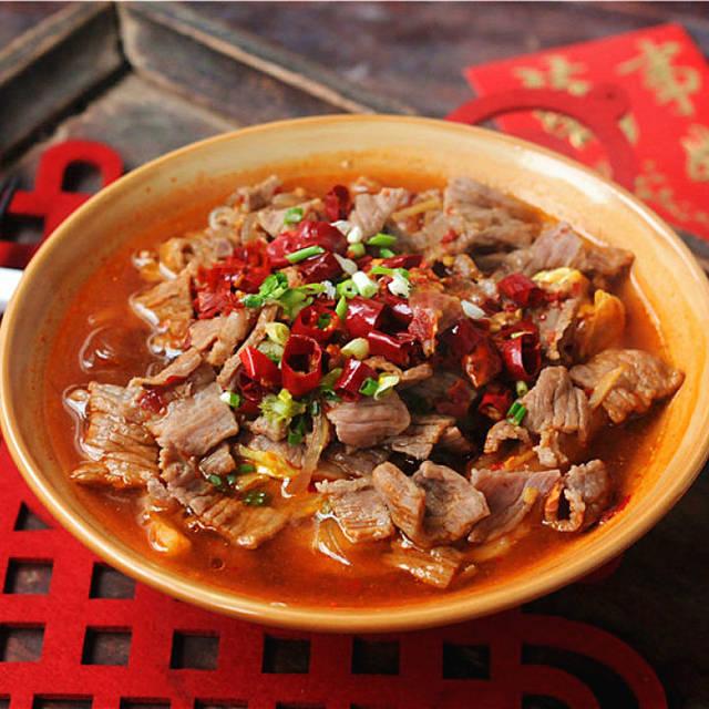 浓香味美的白菜牛肉锅做法,送给爱吃肉的您,适合夏天的美食菜谱