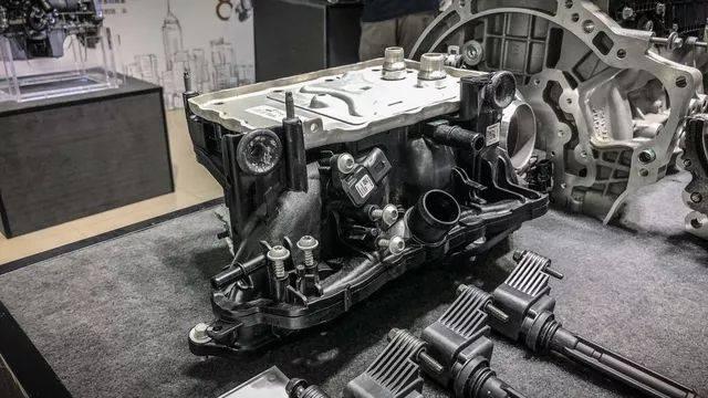 当驾驶员松开油门之后,传统的被动式真空泄压阀就会开启阀门,释放图片