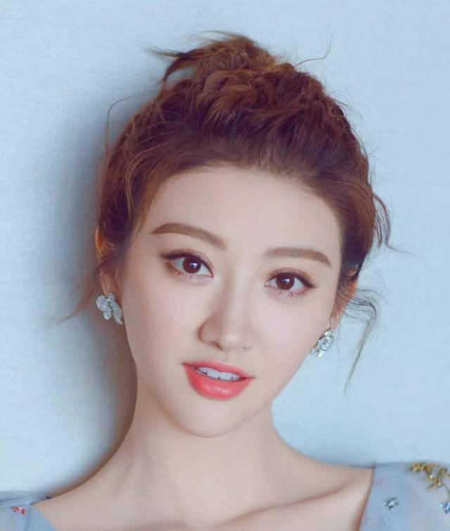色亚洲色女_棕色系和亚麻色系是亚洲女生比较偏爱的色系.