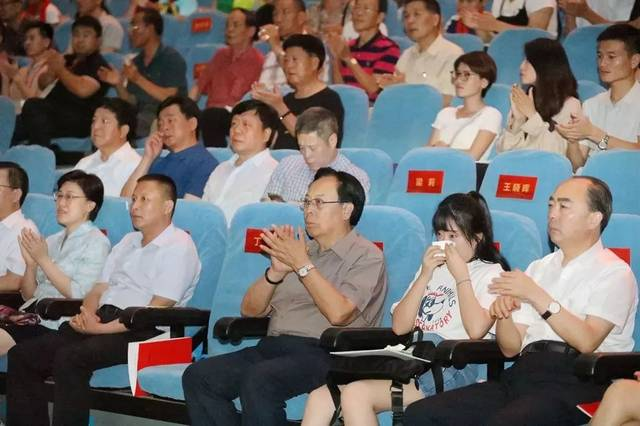 情暖瓯江英雄永在!电影故事片《李学生》温州首映式抗战12集大型纪录片举行图片