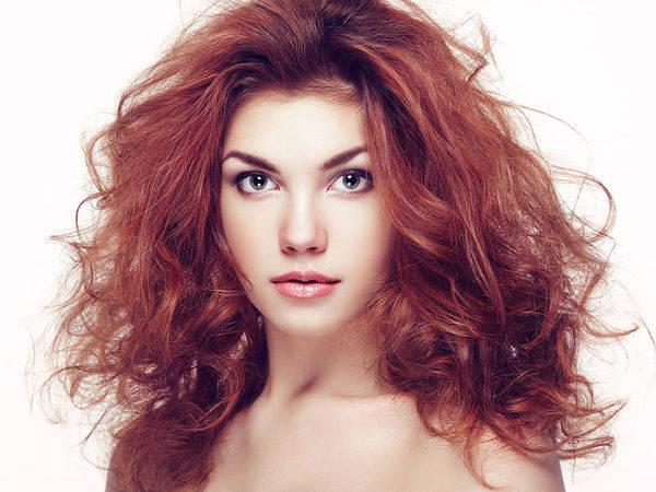 那么接下来就一起来学习时尚的好看盘发发型图片,简约的日常盘发方法图片