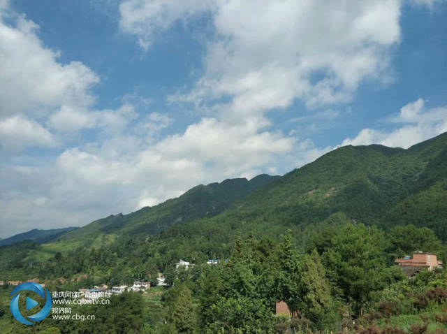 眼下进入盛夏酷暑时节,贵州桐梓县乡村旅游点迎来重庆,成都等地大量