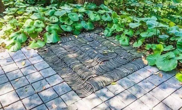 中式铺装艺术之青砖铺地, 其铺砌于中式园林建筑之间的院落中, 或图片