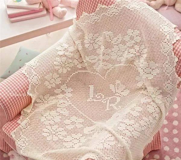 简单的钩针蕾丝方格编织,却带来了超好看的钩编美物!