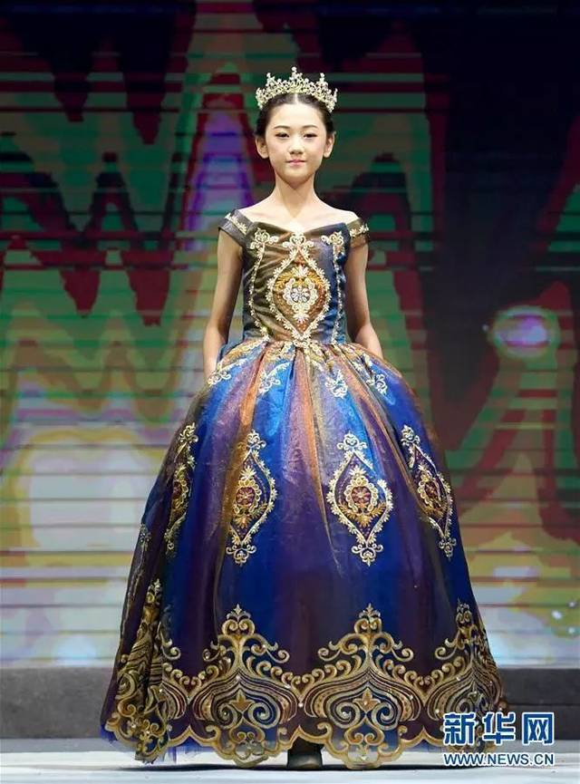 """""""中国少儿时装模特大赛在青岛落幕"""""""