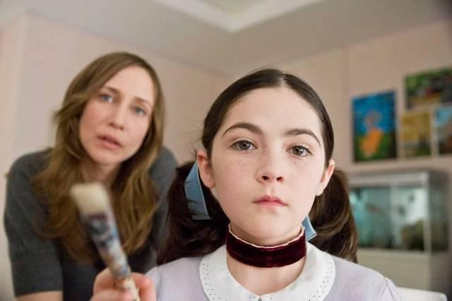 夫妻在哪看成人电影_海报上的小姑娘,凭着出色的表演,让看过电影的人都记住了她.