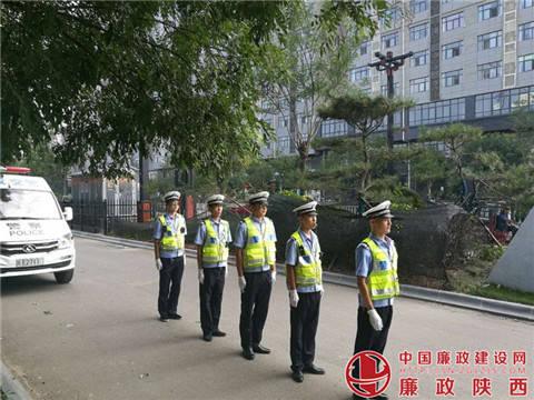澄城县交警大队强化交通指挥手势训练图片