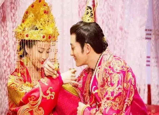 成婚之后,高洋对美貌的妻子疼爱有加,这也让李祖娥渐渐接受了他,夫妻