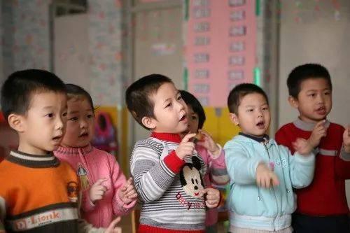 中国聋哑和日本_这对德国夫妻有65个中国聋哑孩子,在长沙开了家面包店