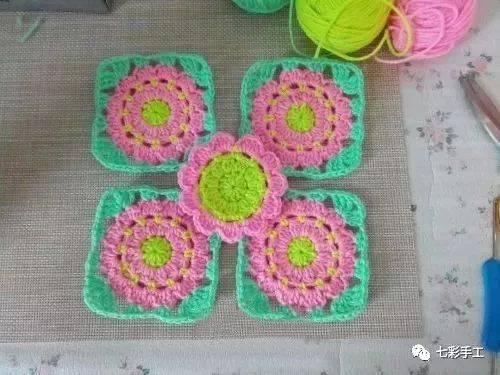 花片钩针编织教程,教你圆形花片变方形,学会变通就是这么简单