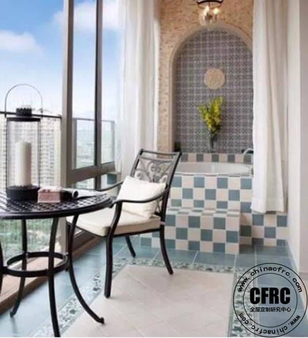如果你有心,在阳台设计一个小吧台,一个迷你小餐厅也就应运而生了.