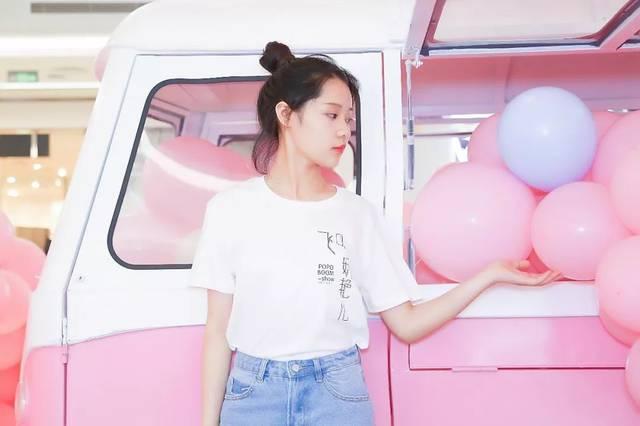 加上 8米高的粉色热气球,从远处看,一幅梦幻,粉色的美丽画卷悄然展开