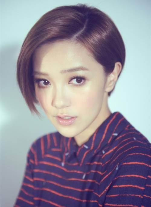 郭采洁是中国台湾的女演员,一头利落帅气的短发让她的辨识度很高图片