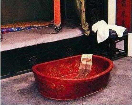 慈禧遗留下来三件私人用品,第一个太奢侈浪费,最后一个难以启齿