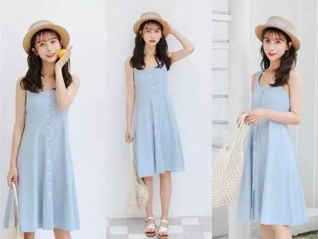 穿上身美炸了~ 搭配1:吊带灰蓝色连衣裙 一字扣白色凉鞋 这款很个性