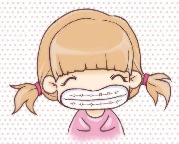 很多戴牙套的小仙女都想知道牙套期间如何清洁才能干净呢?图片