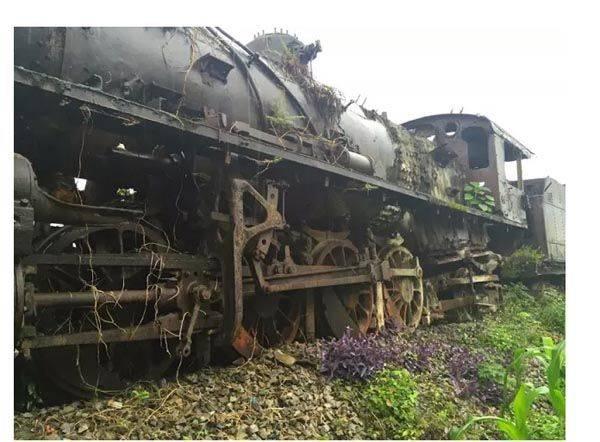 丝足交骚??)?h?_广西这条最美的铁路,百年老矿十里花廊——合山十里花