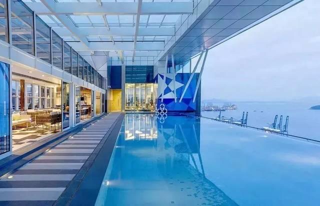 屋顶泳池_还在跑泰国找无边泳池?抖音超火的网红泳池,珠海也有
