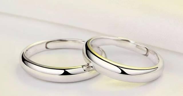 光戒(光面戒) 光戒就是表面没有任何花纹,图案或者镶嵌的戒指,也就一