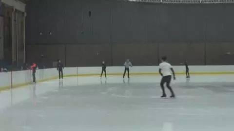 """炼钢改练冰!20工人的轧钢多年""""变身""""冬奥工作人员autocad协同v工人图片"""