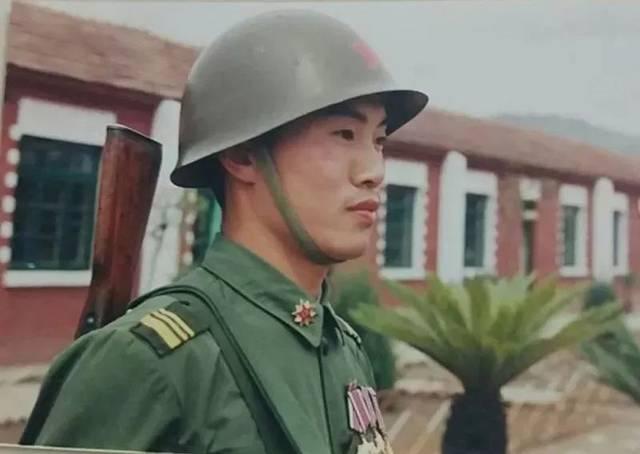 中国军人是当代最可爱的人!