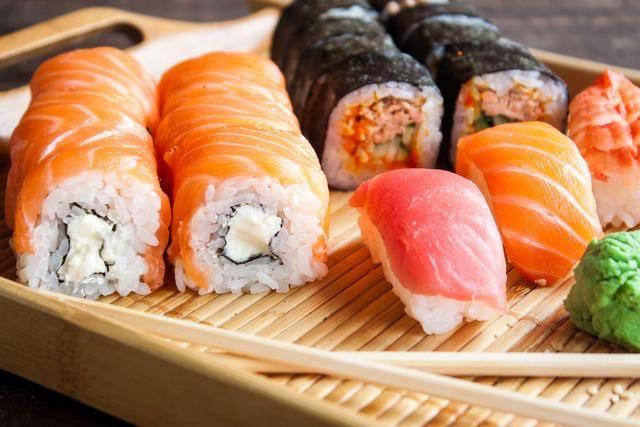 日本美食_韩国泡菜,日本寿司……各国的美食,都不如我们中国的这道!