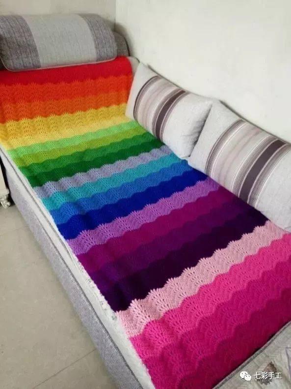 彩虹桥沙发垫钩针编织教程,彩虹控们看过来,既好看又保暖