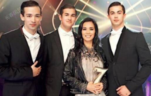 如今,她的大儿子韦紫明已经24岁了,今年已经从北京大学中文系毕业了.
