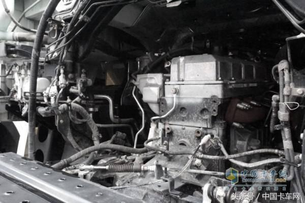 拉钢材什么车最合适?老司机:省油耐用承载力强当然选巨咖_快乐