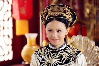 她是康熙晚年的六宫之主,抚养天子,封皇贵妃,谥号独一