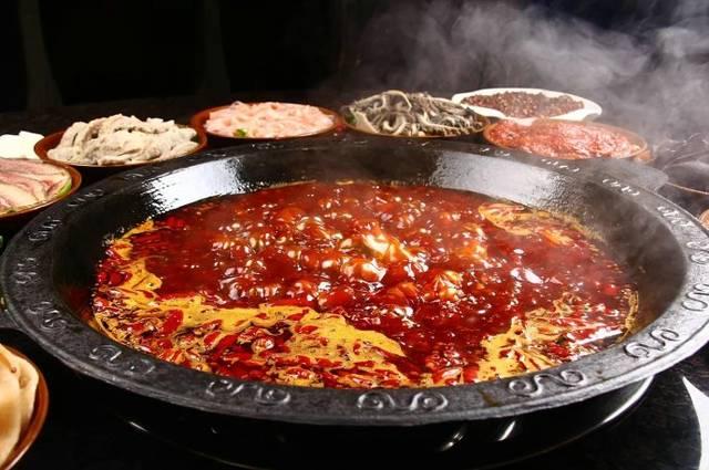 重庆火锅的特色菜品吃法
