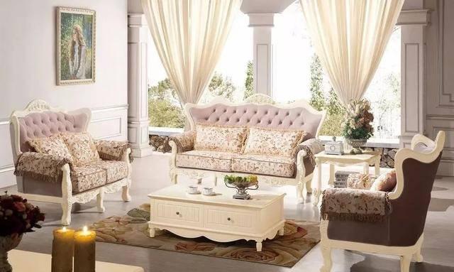 03,法式沙发:强调力度,变化和动感,款式大气庄重,沙发华丽的布面与图片