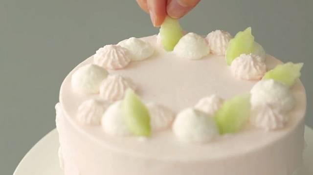动物奶油抹面是精髓!手把手教你做出简约大气韩式私房蛋糕图片