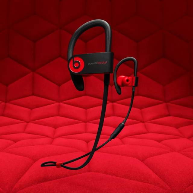 beats 时尚的红色设计和名人代言使 beats 的耳机受到很多人追捧.