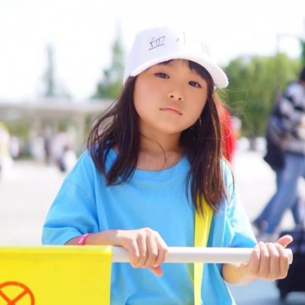 8岁幼女qvod_日本小女孩qvod_日本街道_卡通小女孩_小女孩短发_系统之家网