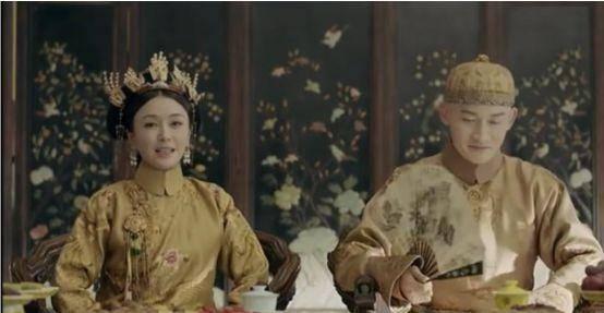 于正新剧《延禧攻略》,皇帝撒娇,和宫女置气,简直不要