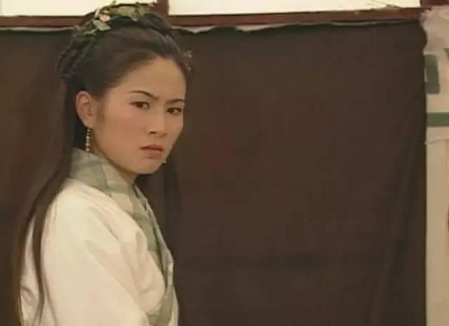 2002年,拍了两部代表作《再生缘》和《云海玉弓缘》.图片