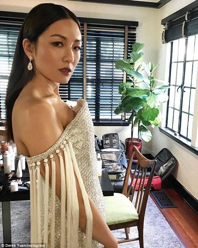 亚洲孕妇性狂15p_吴恬敏,杨紫琼主演的《摘金奇缘》(也译作:疯狂的亚洲富豪)将于8月15