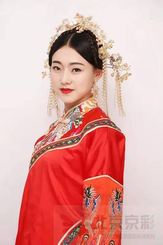 2018驚艷全場的中國風秀禾新娘造型,手把手教你打造高貴優雅秀禾新娘圖片