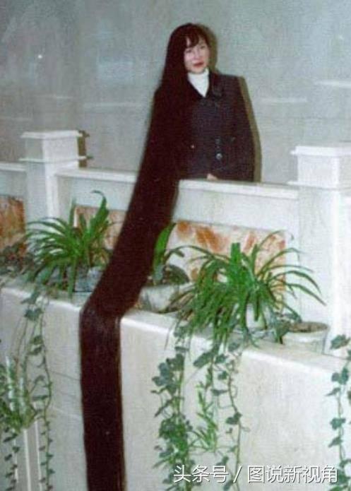 世界上头发最长的女子图片